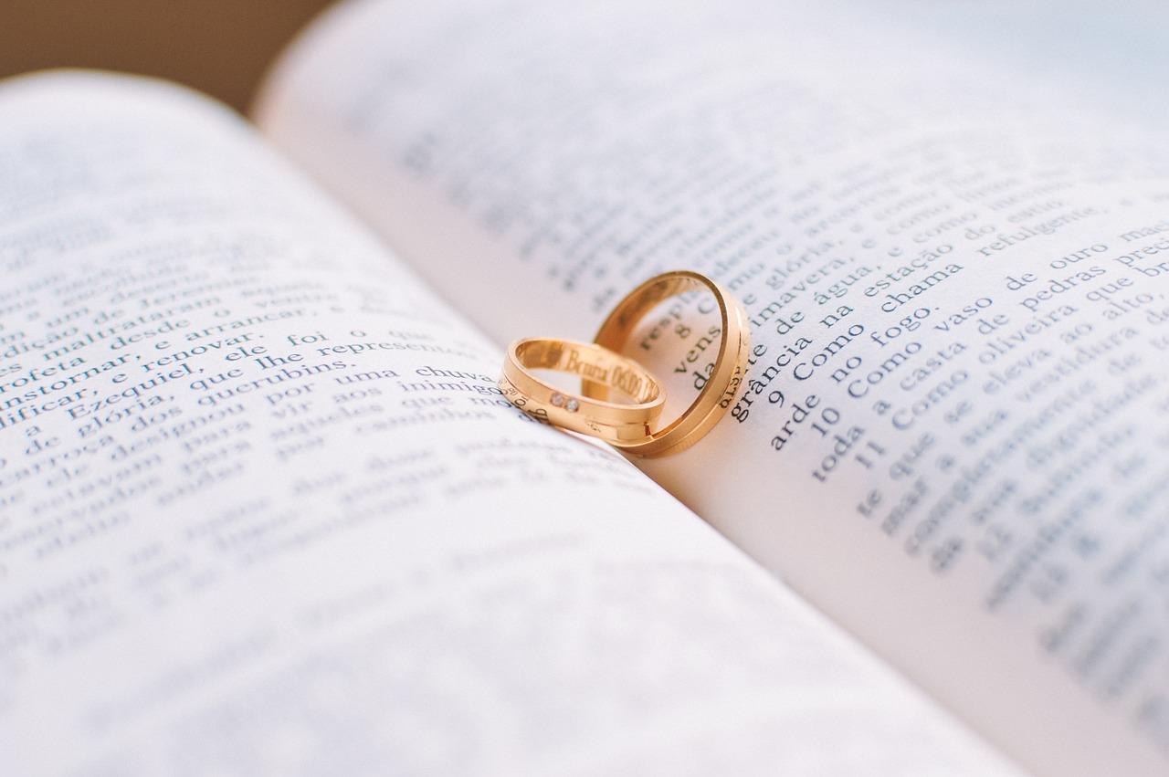 A szerelmes idezetek az udvarlás fontos kellékei - a végén még házasság is lehet belőle.